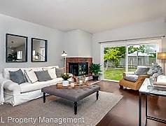 Living Room, 870 Estancia Way, 0
