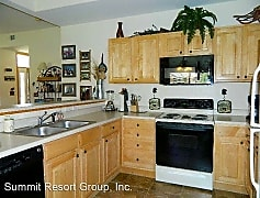 Kitchen, 170 Robin Dr, 0