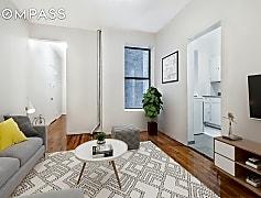 Living Room, 28 Macombs Pl 31, 0