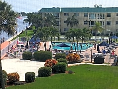 Saltwater Pool on Intracoastal.jpg