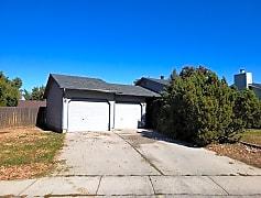 10228 garage.jpg