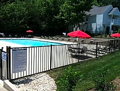 Pool, Laurel Bluff Apartments & Townhomes, 0