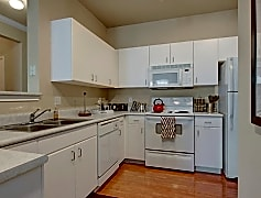 Stoneleigh Kitchen with Appliances