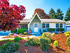 lakewood house.jpg