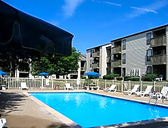 Relax poolside at Southfield