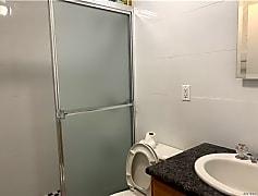 Bathroom, 32-61 71st St, 0