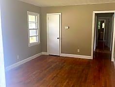 Living Room, 1015 Henderson Ave, 0