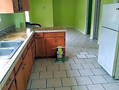 Kitchen, 1952 N Prieur St, 0