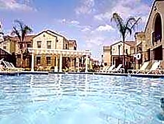 Pool-Exterior