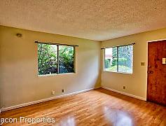 Living Room, 2729 Humboldt Ave, 0