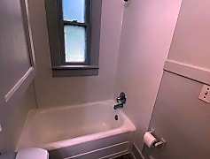 Bathroom, 2922 College Ave, 0