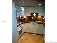 Kitchen, 350 Grapetree Dr 403, 0