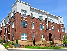Building, Morehead West Apartments, 0