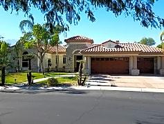 Building, 15 Via Verde, 0