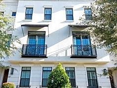 Building, 647 East Jackson Street, 0
