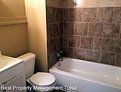 Bathroom, 1166 N Boston Ave, 0