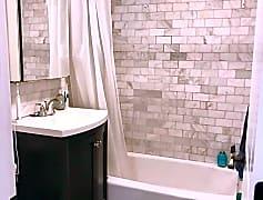 Bathroom, 71 Oxford Ave, 0