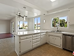 Kitchen, 3033 S Pacific Ave 1, 0