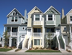 Virginia lake townhouse front yelllow (2).jpg
