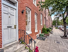 Building, 654 Portland St, 0