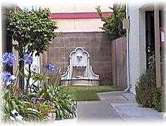 Fountain center.jpg