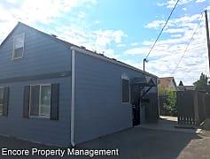 Building, 1120 SW Black Butte Blvd, 0