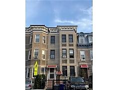 Building, 370 Hawthorne St, 0