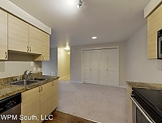 210 9th St E Unit #E203, 0