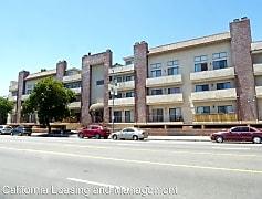 Building, 7515 Winnetka Ave, 0