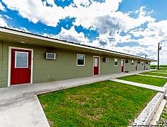 Building, 2893 US-83, 0