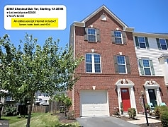 Townhome Front Ad 9-20-19 $2300.jpg