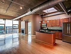 lr and kitchen 1.jpg