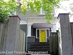 Building, 703  20th Avenue, 0
