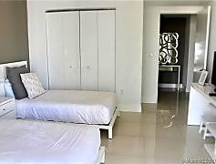 Living Room, 485 Brickell Ave 2602, 0