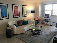 Living Room, 28 Riverside Ave 7F, 0