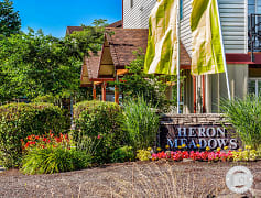 Eugene, OR Heron Meadows Apartments lsign