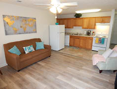 Kitchen, College Pointe - per bed lease, 0