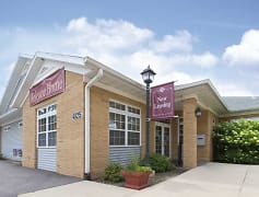 Leasing Office, The Pointe at Cedar Rapids, 0