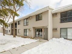Building, Meadowbrook Apartments, 0