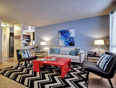 The Courtyards at Buckley - Aurora, CO Apartments - Living Room