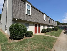 Building, Townhomes Of Ashbrook, 0