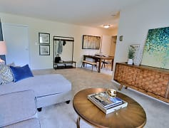 Living Room, Villages At Montpelier Apartment Homes, 0