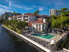 Luxury Apartments along South Florida's Intracoastal Waterway