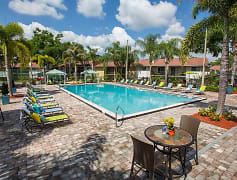 Plenty of poolside loungers for you to lay out in the Florida sunshine!