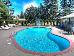 Tacoma Apartments - Heatherstone Apartments - Pool
