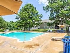 Pool, Olde Salem Village, 0