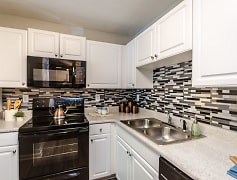 Kitchen, Wildwood at Villa Rica, 0