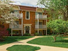 BrickHunters Ridge Apartments in Toledo, OHexterior