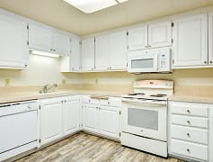 Kitchen, Glenmoor Green, 0