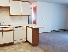 4330 10 Ave SW Fargo = 2 Bedroom